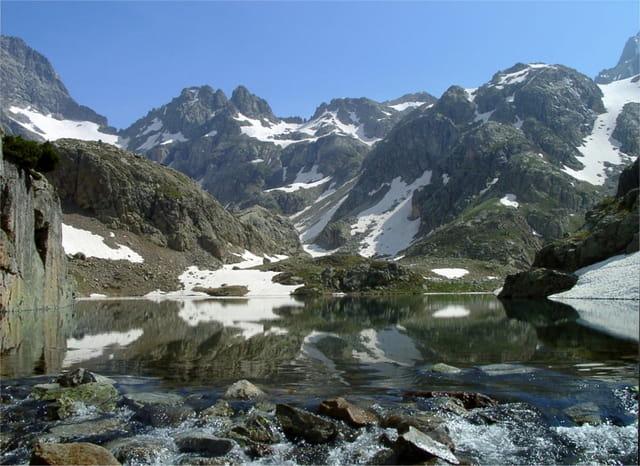 Lacs d'Arriel en juin
