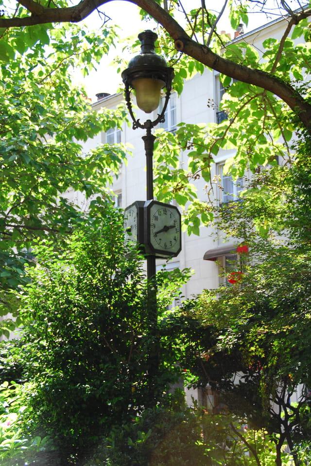lampadaire - horloge