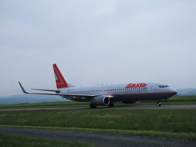 LAUDA - Boeing 737-800.