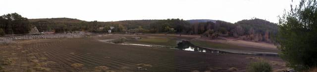 Le barrage de Carces à sec