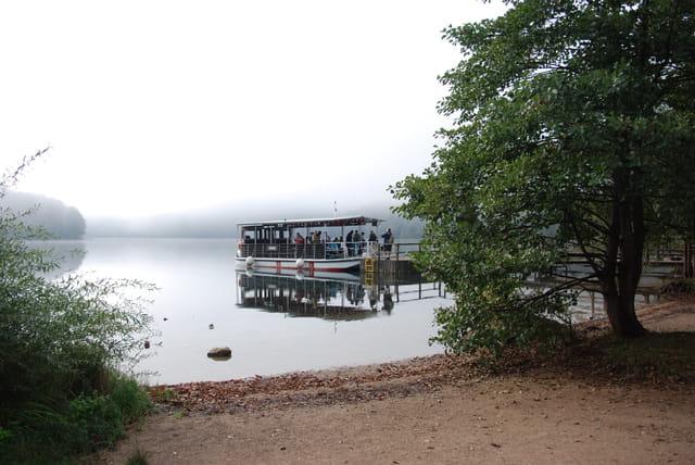 le bateau sur le lac
