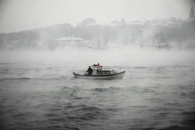 Le Bosphore dans la brume