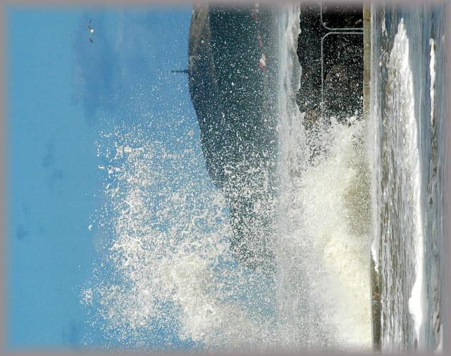 le Cap Blanc Nez vu de la digue de Wissant le lendemain de la tempête