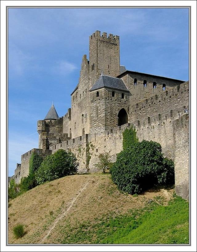 Le Chateau Comtal