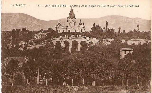 Le château de la roche du Roi et le mont Revard