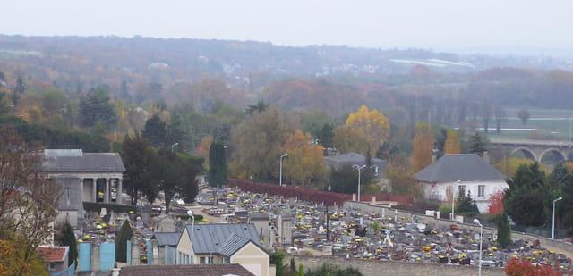 Le cimetière du Pecq en novembre