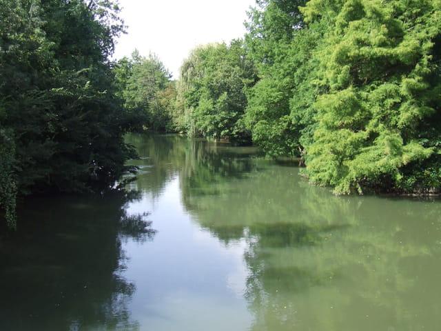 Le clain vu du pont a Chézeau