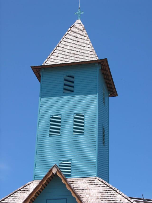 Le clocher de l'église de Mana
