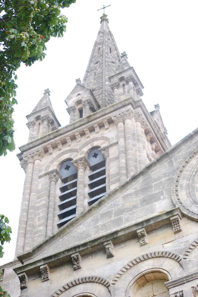le clocher de l'église de Saint Christoly Médoc