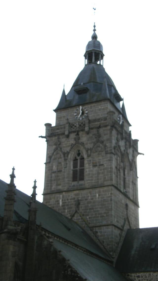 Le clocher de Villedieu-les-Poêles
