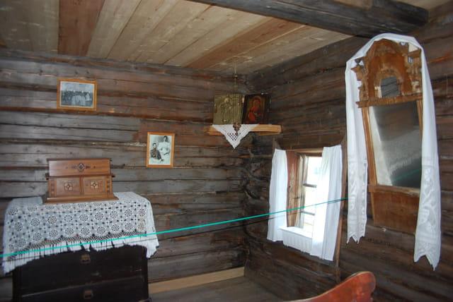 le coin chambre dans la isba du XIX° siècle