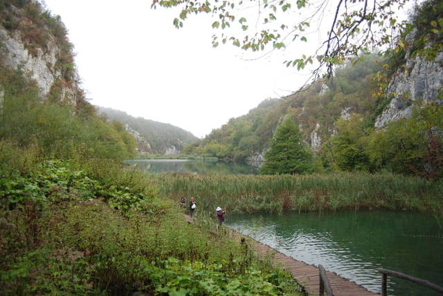 le décor grandiose des lacs de Plitvice