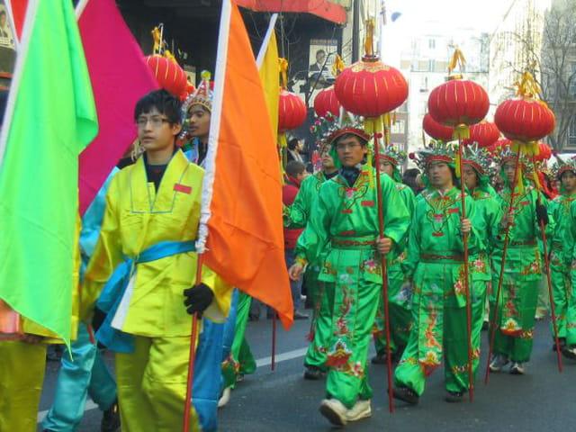 Le défilé en vert et rouge