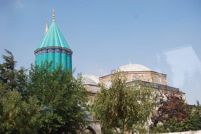Le dôme du musée des Derviches Tourneurs