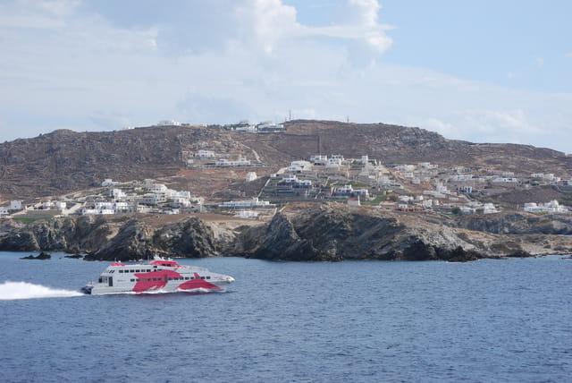 le ferry à Mykonos