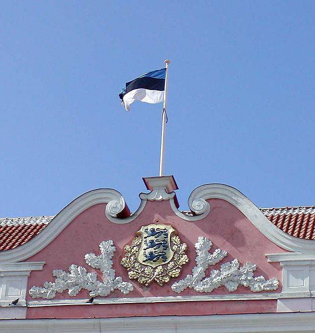 le fronton du parlement d'Estonie