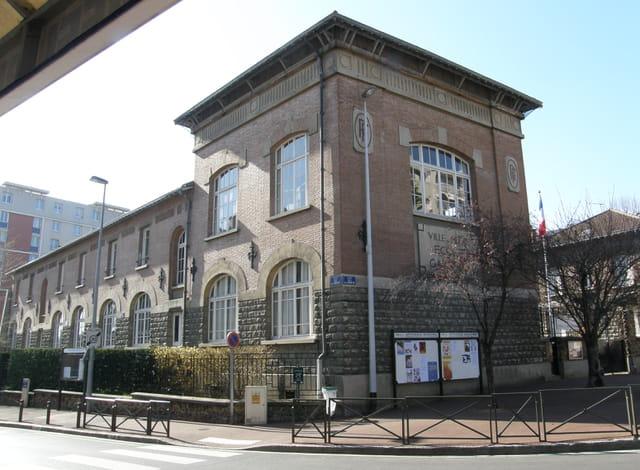 Le groupe scolaire Erignac