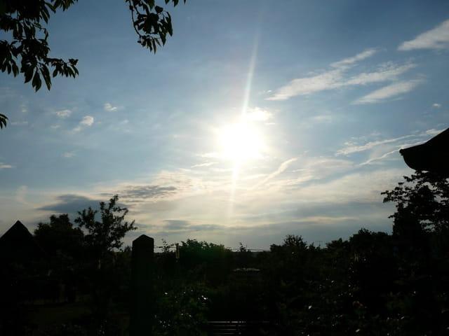 Le lever du soleil un matin d'été en Normandie
