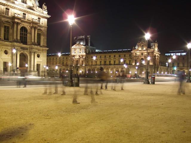 Le Louvre est Lumière