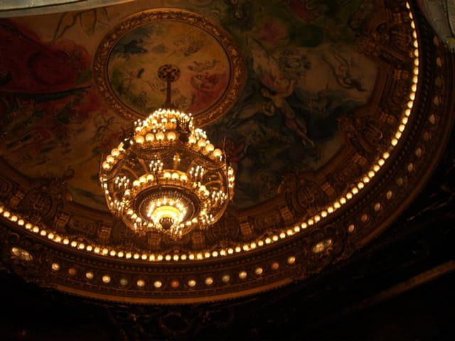 Le lustre de l'opéra