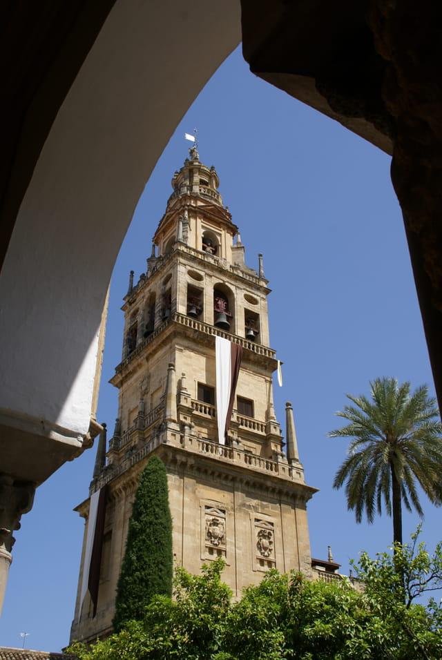 Le minaret-clocher de la mosquée-cathédrale de Cordoue