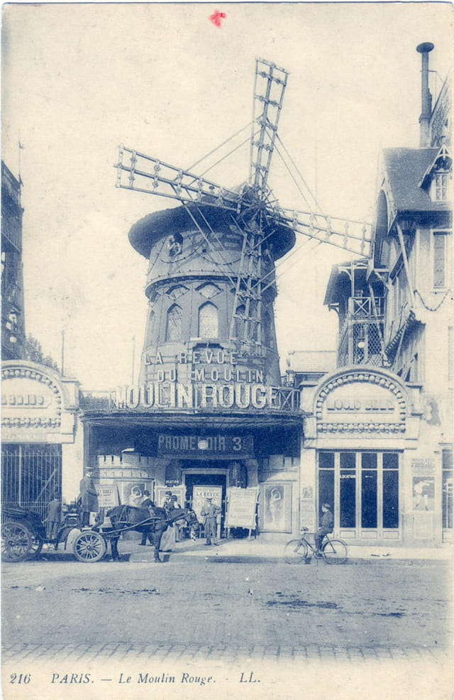 Le Moulin Rouge CPA 216