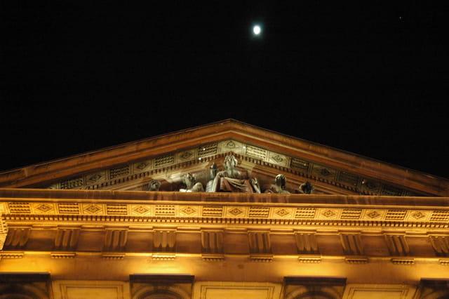 Le palais de justice à reims