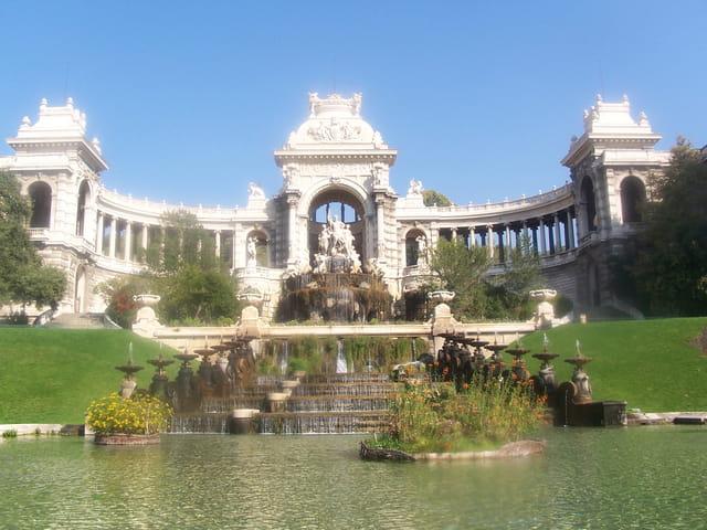 Le palais Longchamp, château d'eau