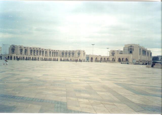 Le parvis de la Grande Mosquée Hassan ll