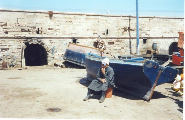 Le penseur du port d'essaouira