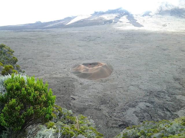 Le petit cratère -Formica leo (1)