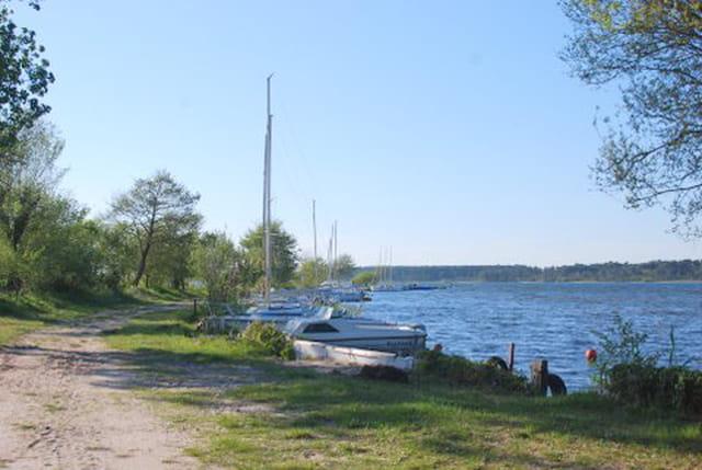 le petit port sur le lac de Sanguinet