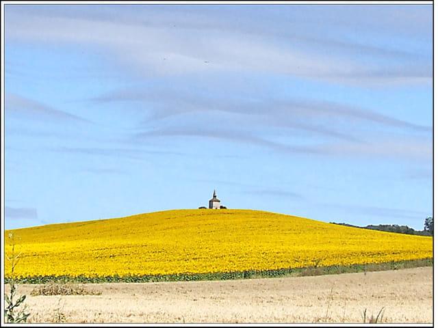 Le pigeonnier sur la colline