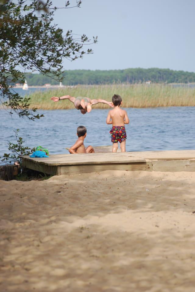 le plongeon dans le lac