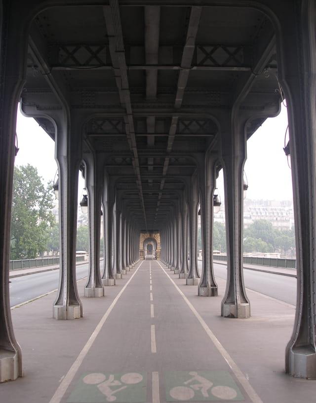 Le pont aérien de la ligne  6