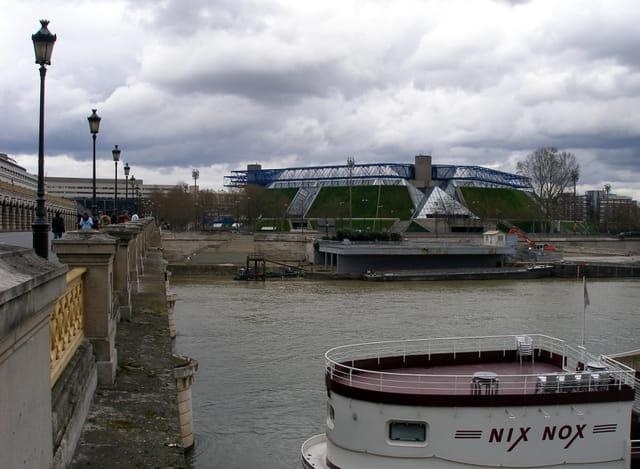 Le pont de Bercy et le palais omnisport