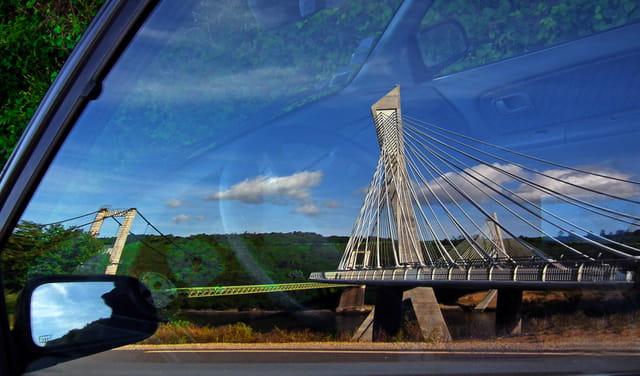 Le pont ... en voiture