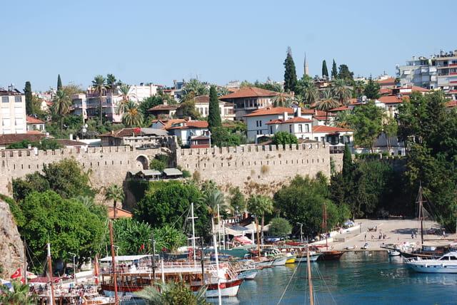Le port de plaisance d'Antalya