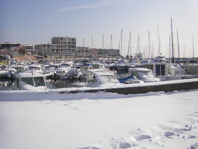Le port de Sausset Sous la neige