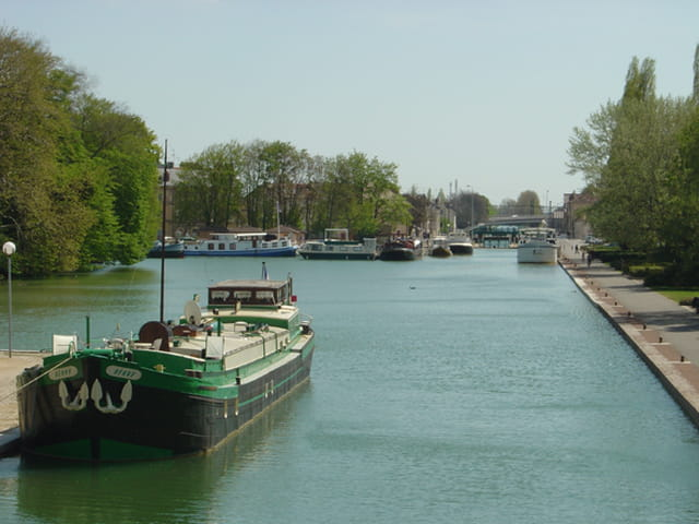Le port du canal