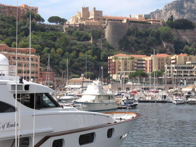 Le port et le palais