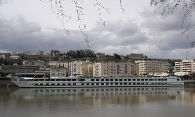 Le Princess Seine, escale au Pecq