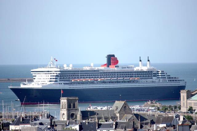 Le Queen  Marie 2 à Cherbourg