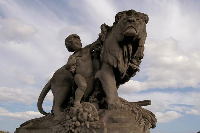 Le roi Lion et l'enfant