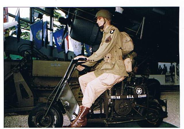 Le scooter cushman m53 débarquement