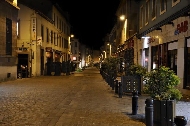 Le soir en ville