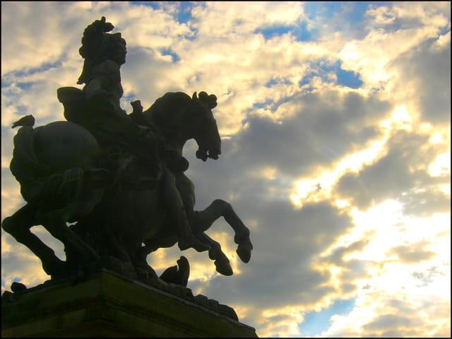 Le soleil se couche aussi sur Louis XIV
