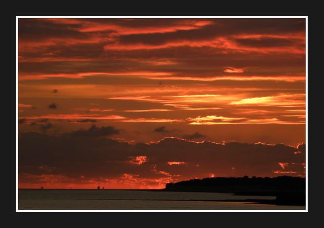 Le soleil se couche toujours l 39 ouest par jean ren tuaud sur l 39 internaute - Le soleil se couche a l ouest ...