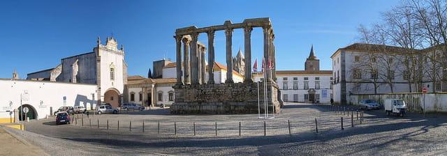 Le temple de Diane à Evora