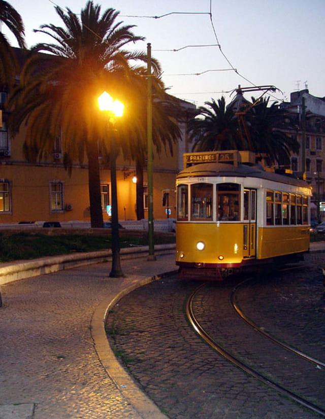 Le tramway jaune